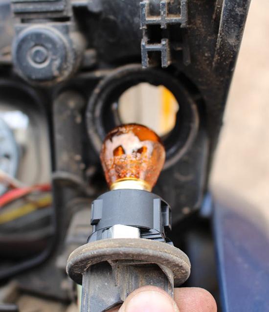 Как поменять лампочку в фаре ford focus