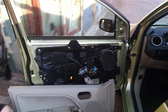 Шумоизоляция дверей Форд Фиеста