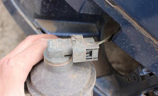 Замена лампочек в противотуманках форд фокус 2