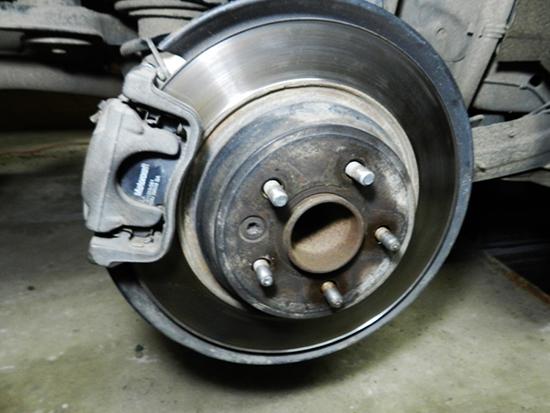 Замена шпилек ступицы на Форд Мондео