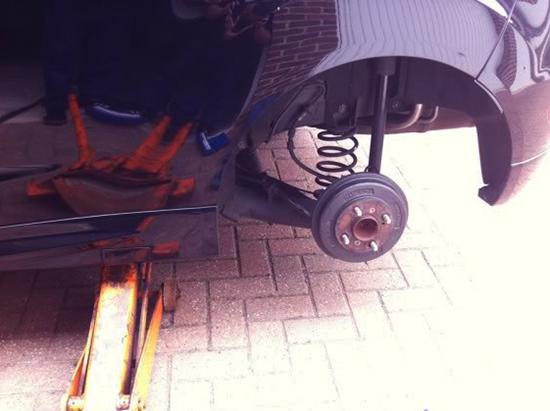 Замена пружин задней подвески на Форд Фиеста